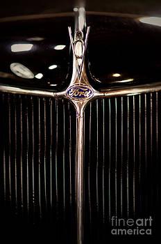 V8 Ford by Randall  Cogle