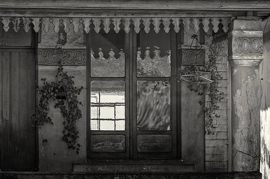Varanda by Jonathan Wilkins