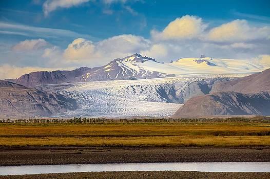 Vatnajokull by Daniel Sands