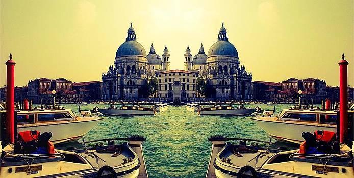 Venezia by Shelley Smith