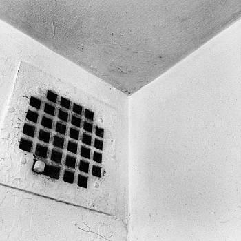 #vent #bw #blackandwhite #nyc #corner by Shawn Who