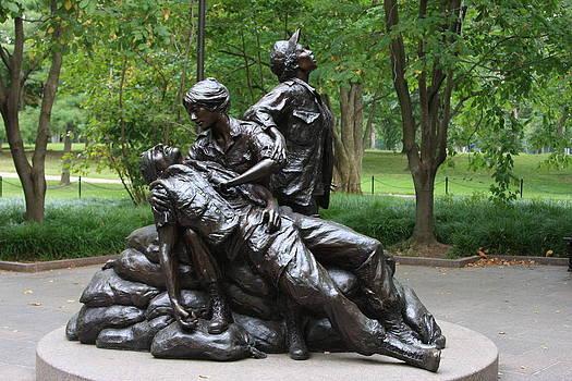 Vietnam War Women's Memorial by Andrew Romer