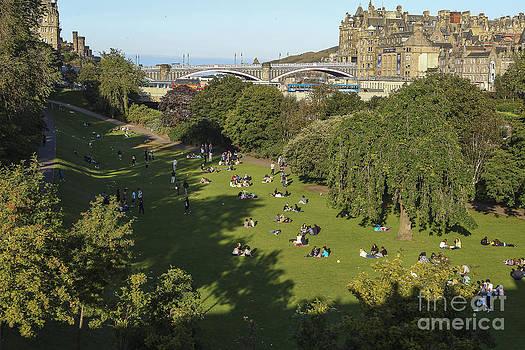 Patricia Hofmeester - View on Edinburgh with Princess Street Gardens