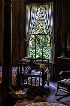 Lynn Palmer - Vintage Crib and Bedroom