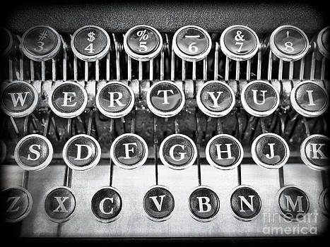 Edward Fielding - Vintage Typewriter