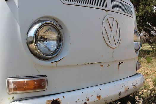 VW bus by Xandria Saulnier