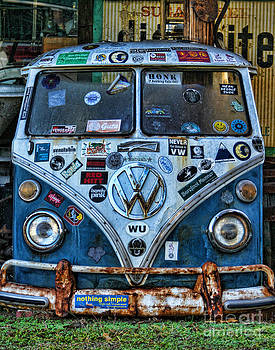Vw by Julia Dressler