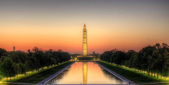 Washington Monument at Sunrise by Dan Girard