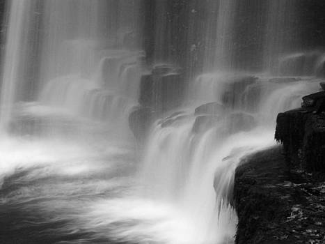 Water fall by Pete Hemington