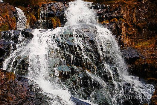 Nick  Biemans - Waterfall and rocks