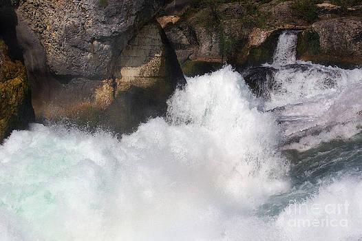 Nick  Biemans - Waterfall in Neuhausen near Schaffhausen