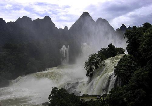 Qing  - waterfall