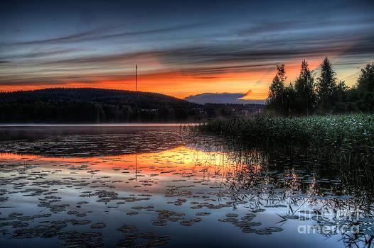 Waterscape sunset by Markus Hovikoski