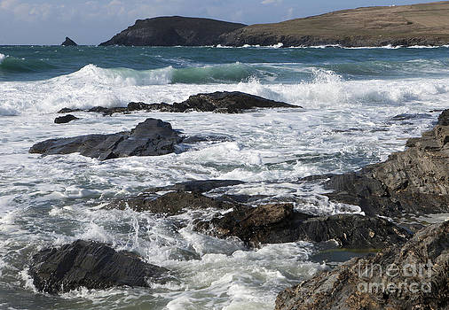 Wave Power on the North Coast of Cornwall by Paul Felix