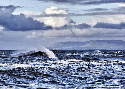 Waves in easkey by Tony Reddington
