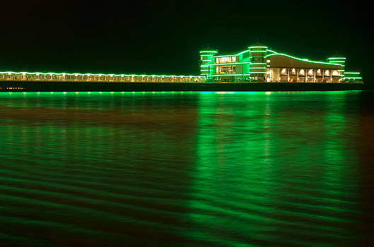 Western Super Mare pier by Pete Hemington