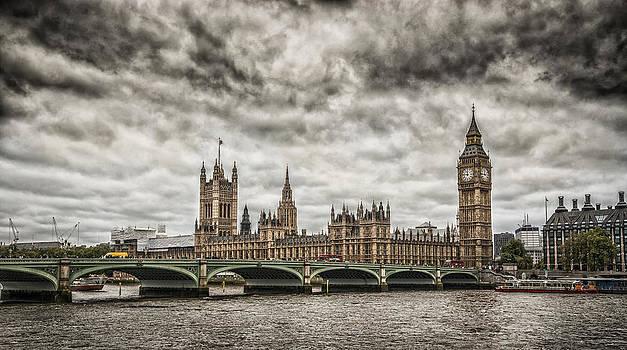 Westminster Bridge and House of Parliament by Dobromir Dobrinov