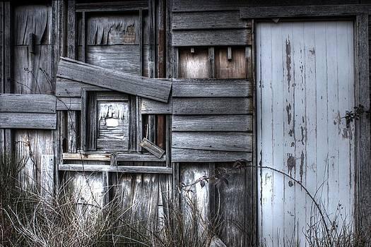 White door. by Ian  Ramsay