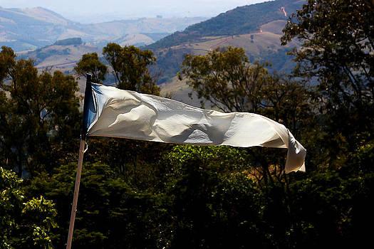 White Flag1 by Fabio Giannini