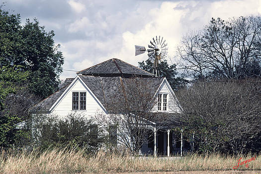 White Texas Farmhouse by Charles Fennen
