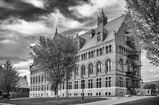 Williams Hall at UVM  7D09258 by Guy Whiteley