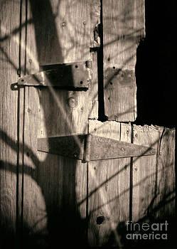 Winchester Barn No2 by C E Dyer