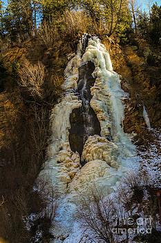 Jon Burch Photography - Winter at Bridal Veil Falls
