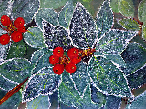 Winter holly  by Maggie Ullmann