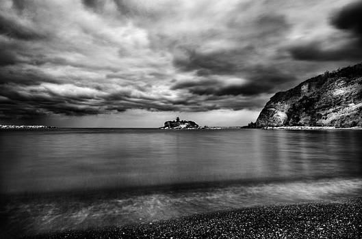 Winter sea by Giovanni Chianese