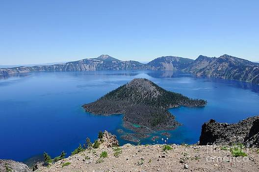 Wizard Island Crater Lake Oregon USA by John Kelly