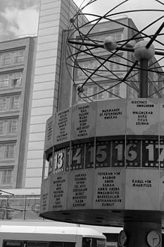 Stefan Kuhn - World Time Clock Berlin