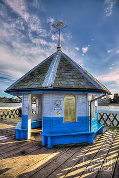 English Landscapes - Yarmouth Pier Rotunda