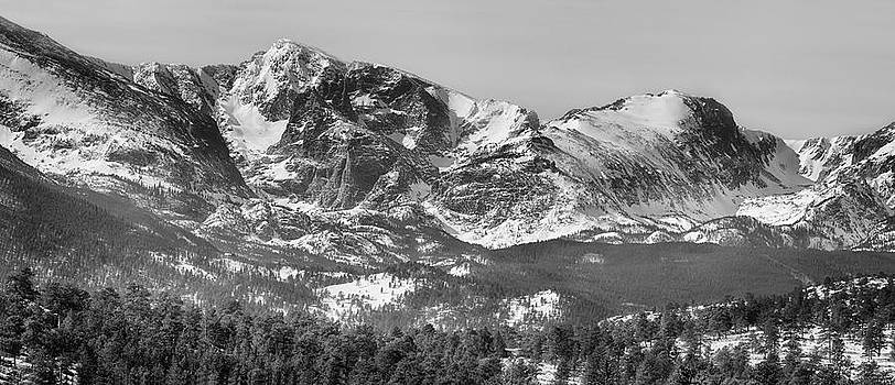 James BO  Insogna - Ypsilon Mountain and Fairchild Mountain Panorama RMNP BW