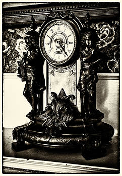 Lynn Palmer - Antique Mantel Clock