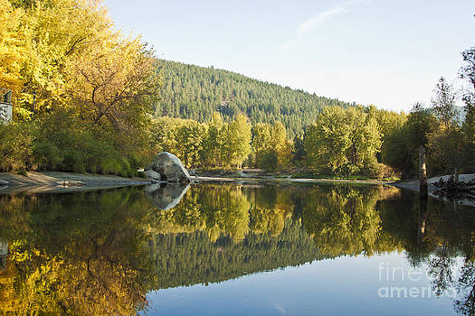 Autumn Reflecting by Aleksander Suprunenko