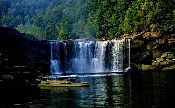 Matthew Winn - Cumberland Falls in Summer