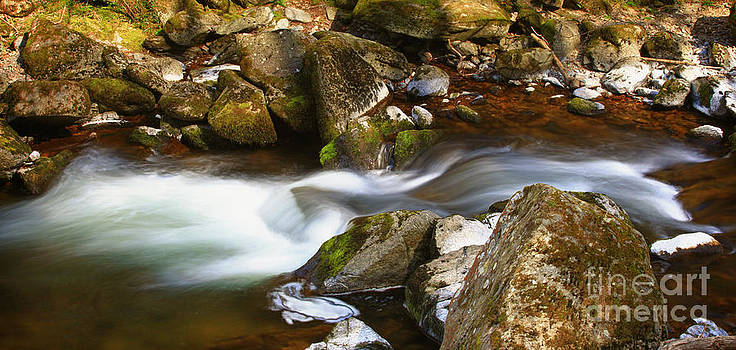 Simon Bratt Photography LRPS - Flowing river blurred through rocks