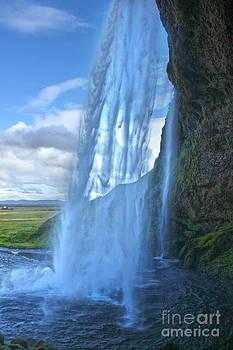 Gregory Dyer - Iceland Waterfall Seljalandsfoss 02