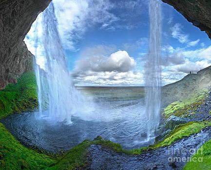 Gregory Dyer - Iceland Waterfall Seljalandsfoss 03