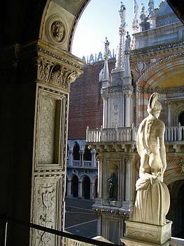 Yvonne Ayoub - Italy Venice Doges Palace