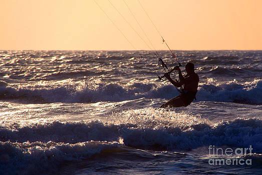 Kitesurfing at Arambol by Serena Bowles