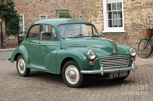 Morris Minor by Andrew  Michael
