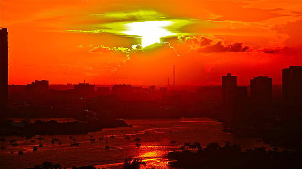 sunset over Miami 500 by Ronald  Bell