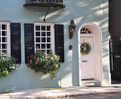 17 Tradd Street Window Box by Lori Kesten
