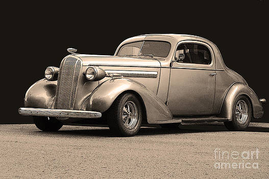1936 Buick by Robert Meanor