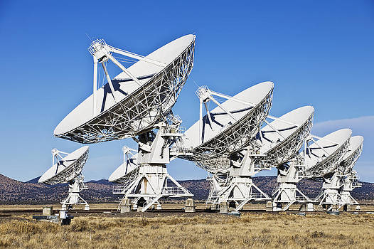 Radio Telescopes In The Landscape by Dave and Les Jacobs