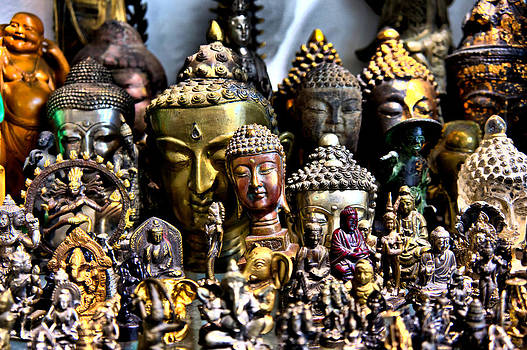 A Gathering of Buddhas by Edward Myers