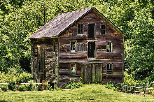 Abandoned barn in Pennsylvania by Robert Wirth