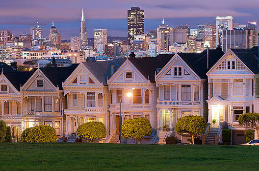 Alamo Square in San Francisco at night by Lucas Tatagiba