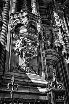 Val Black Russian Tourchin - Alwyn Court Building Detail 17